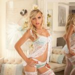 Escorts in Turkey gal allows something more open – demonstrating legs and a belly